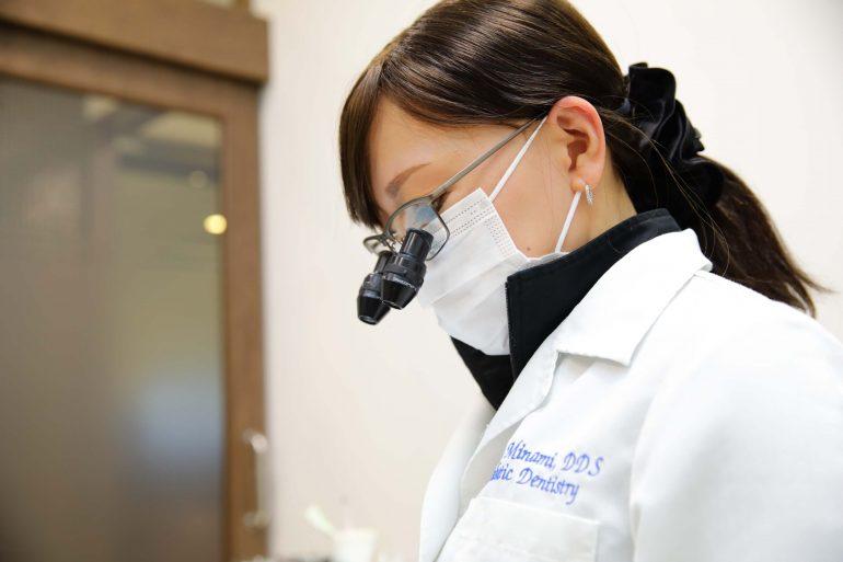 拡大鏡による精度が高い治療