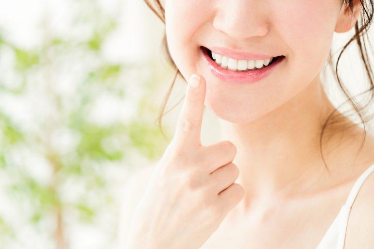 美しい口元を演出するセラミック治療